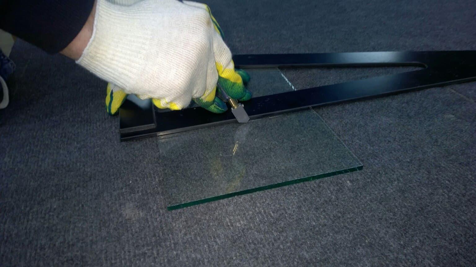 Как разрезать зеркало в домашних условиях стеклорезом