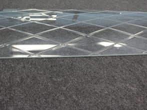 Гнутое стекло с узорами