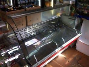 Гнутое стекло для холодильной торговой витрины