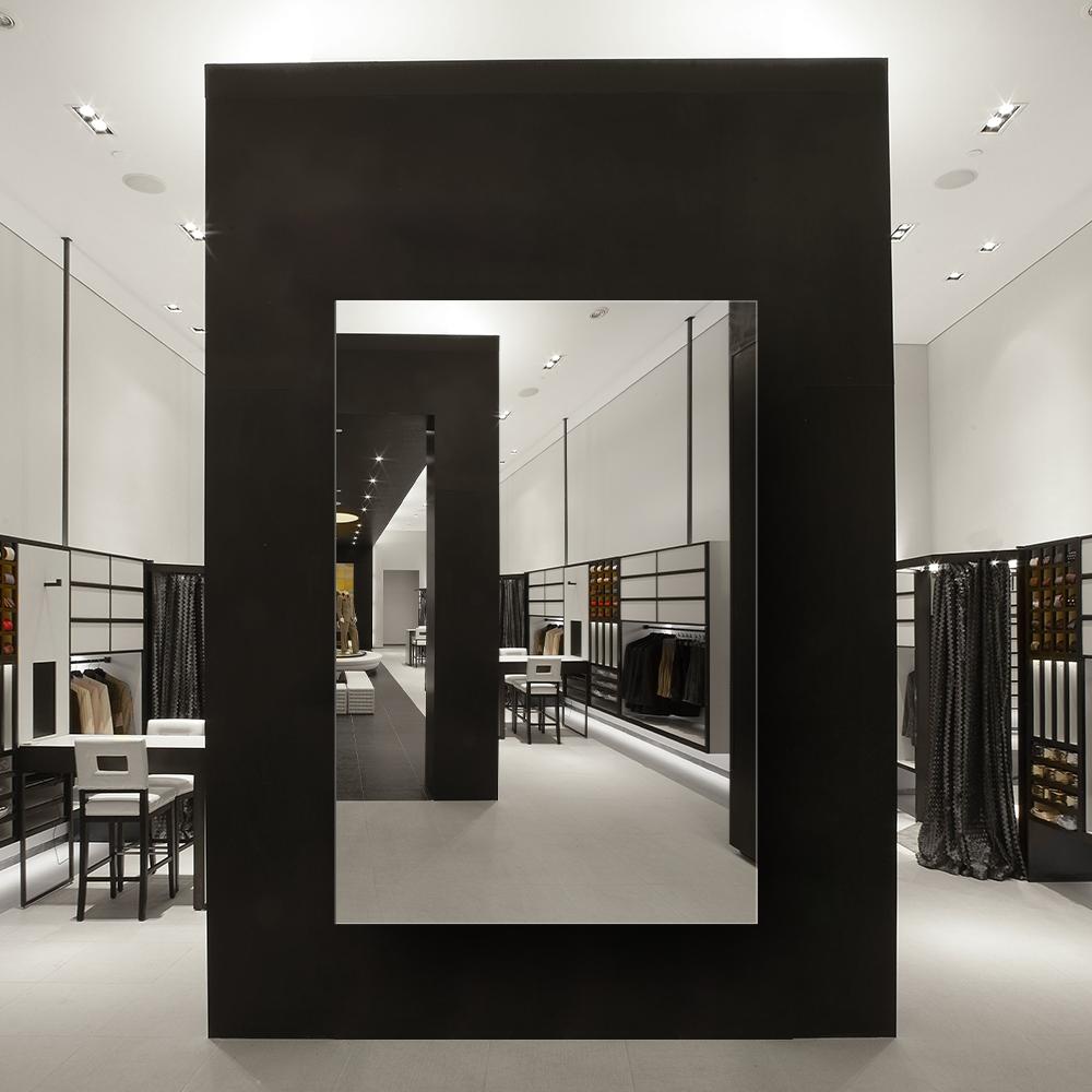 Зеркало для магазина 400×600 мм с фацетом 10 мм и скрытым креплением