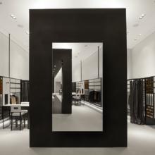 Зеркало для магазина 400×700 мм с еврокромкой и креплением на клей
