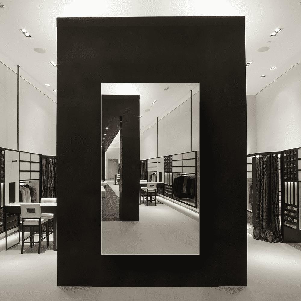 Зеркало для магазина 400×700 мм с фацетом 10 мм и с отверстиями для крепления