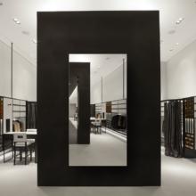 Зеркало для магазина 500×1000 мм с еврокромкой и креплением на клей