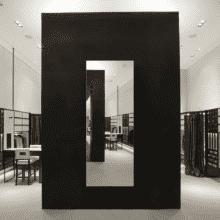 Зеркало для магазина 500×1400 мм с еврокромкой и креплением на клей