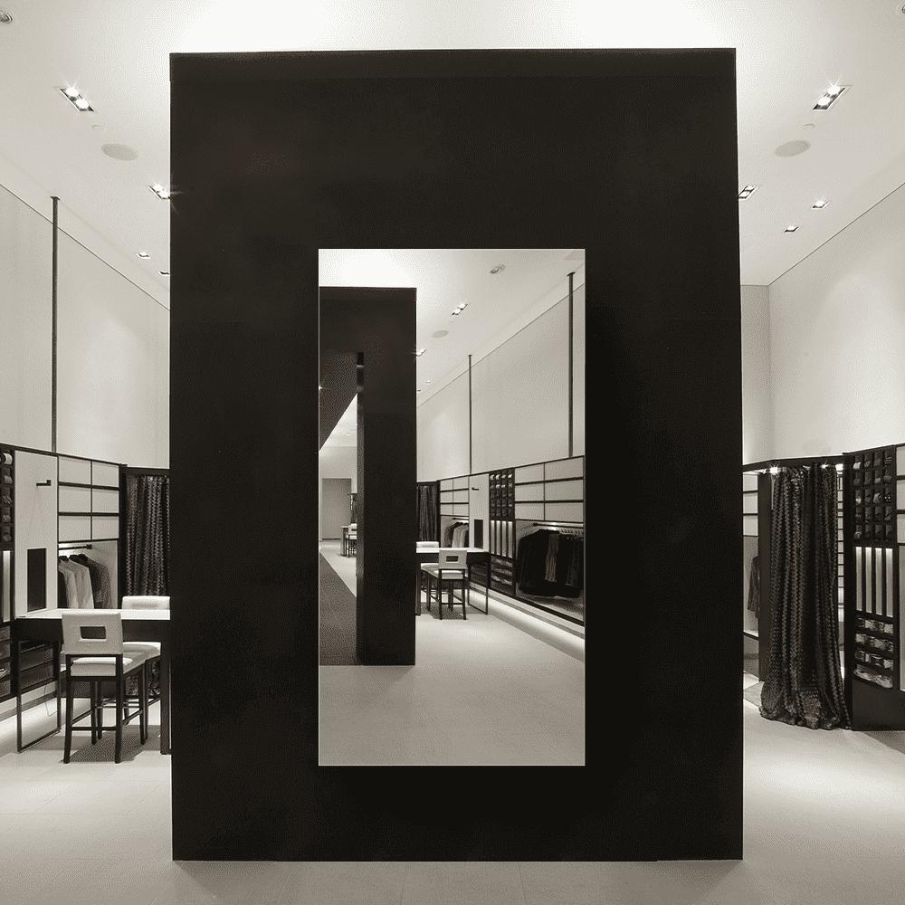 Зеркало для магазина 500×1000 мм с полированной кромкой и с отверстиями для крепления