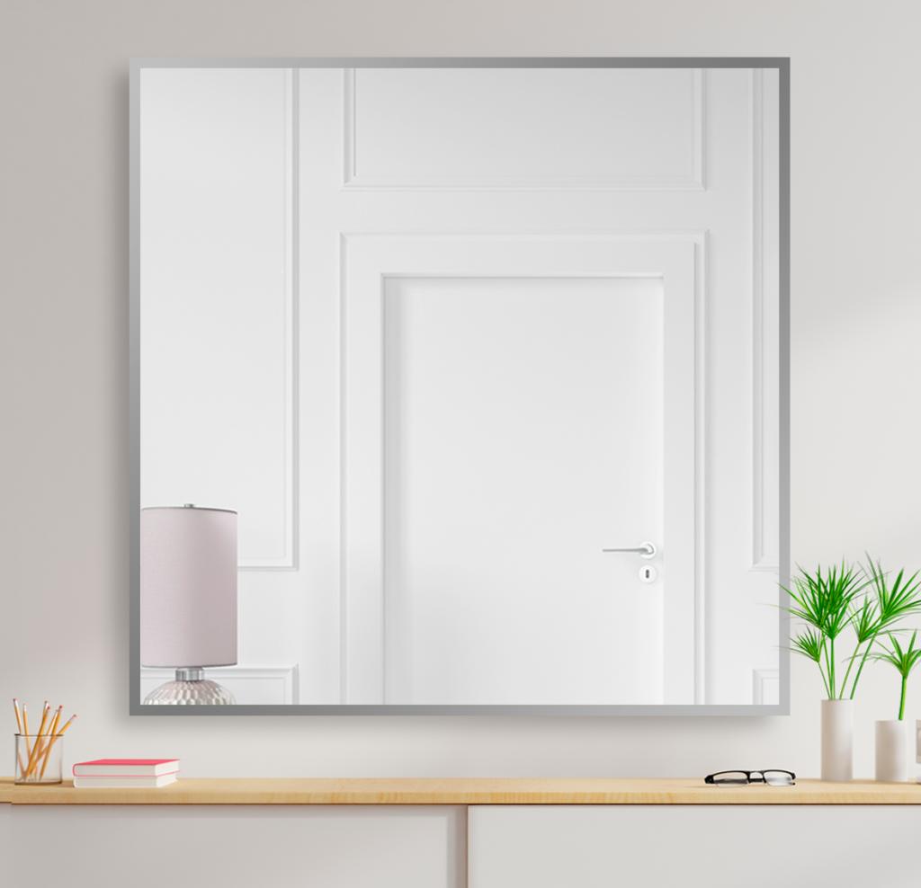 Зеркало 900×900 мм с фацетом 10 мм в алюминиевой раме