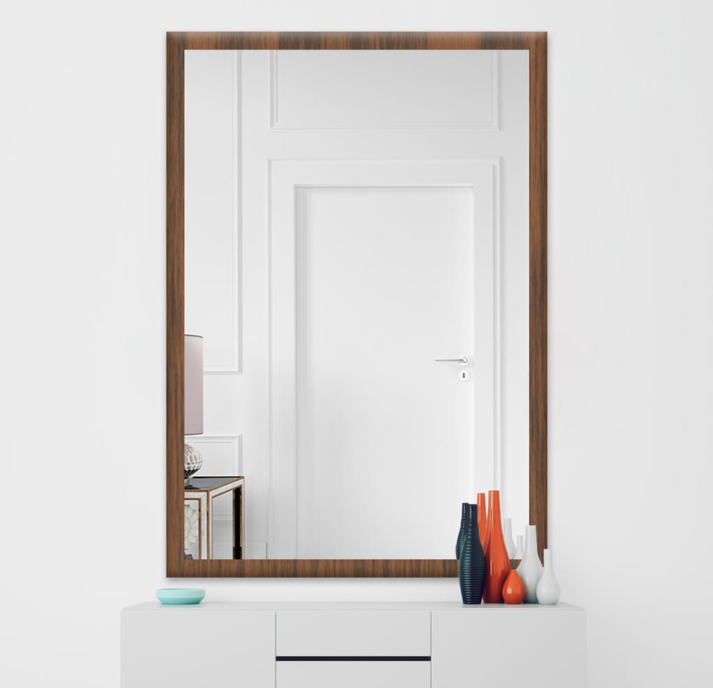 Зеркало 400×600 мм в деревянной раме