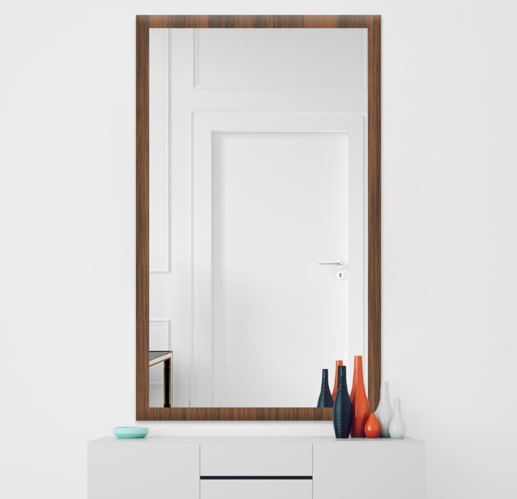 Зеркало 500×900 мм осветленное в деревянной раме