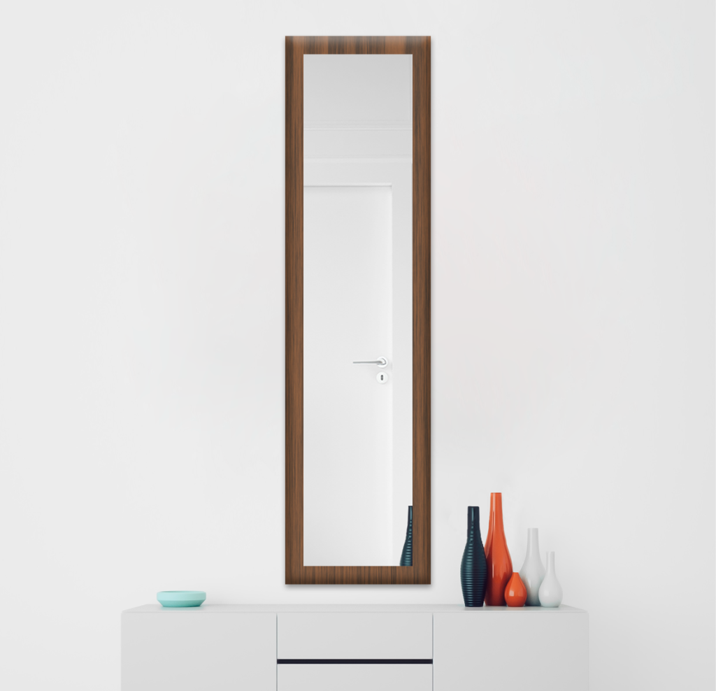 Зеркало 300×1600 мм в деревянной раме